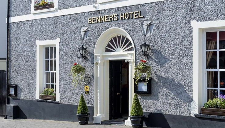 Dingle Benners Hotel Exterior