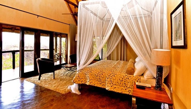 gorges lodge bedroom