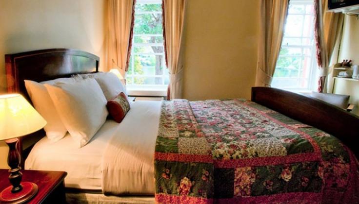 Gougane Barra Hotel room