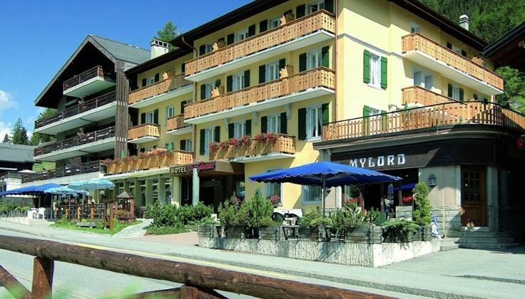 Hotel du Glacier exterior