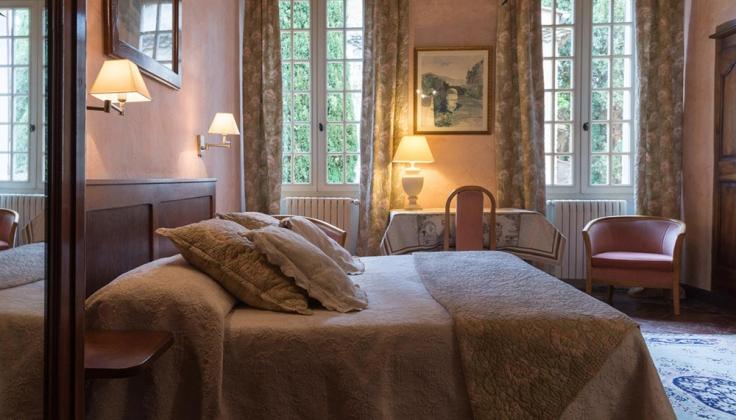 Hostellerie Le Beffroi bedroom