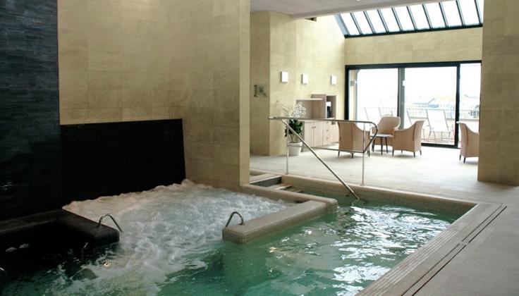 Hotel le Nouveau Monde pool