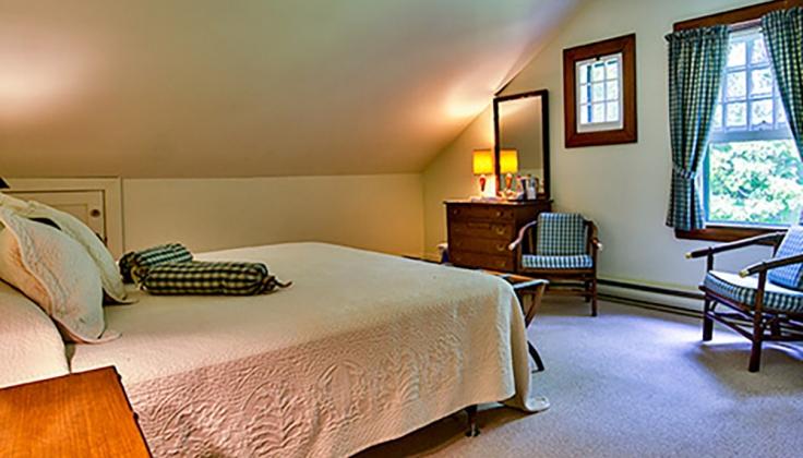Hubbard Cottage bedroom