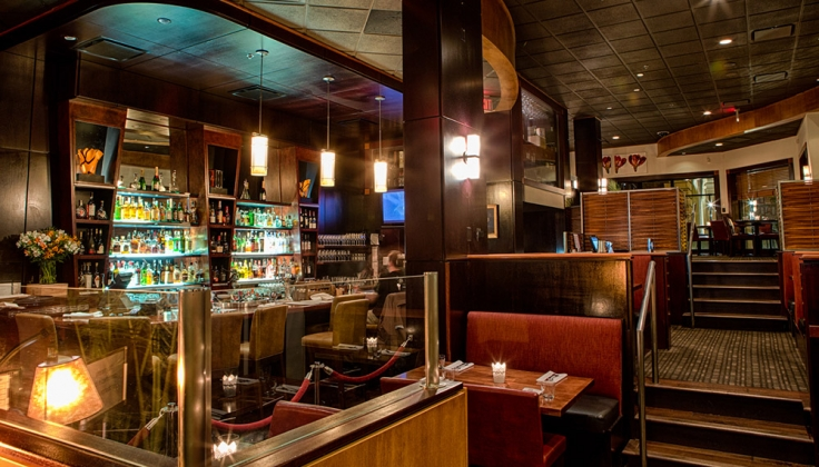 magnolia hotel restaurant and bar area