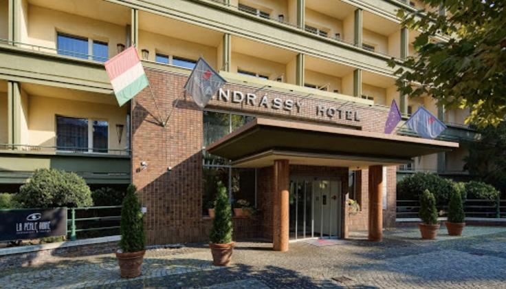 Mamaison Andrassy Hotel exterior