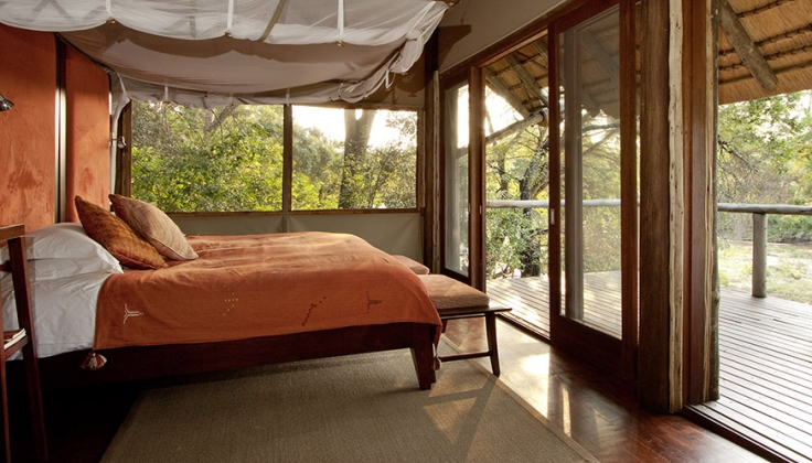 the safari lodge bedroom with deck