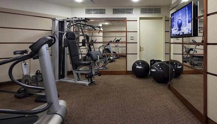 una hotel cusani gym