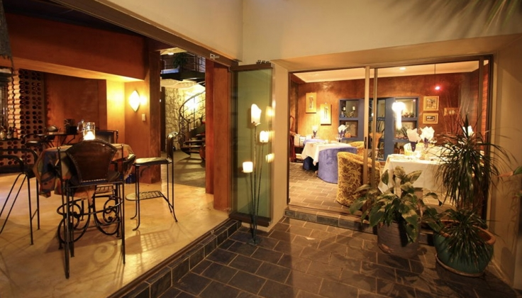 african rock hotel dining