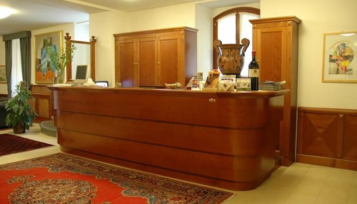 hotel duomo front desk