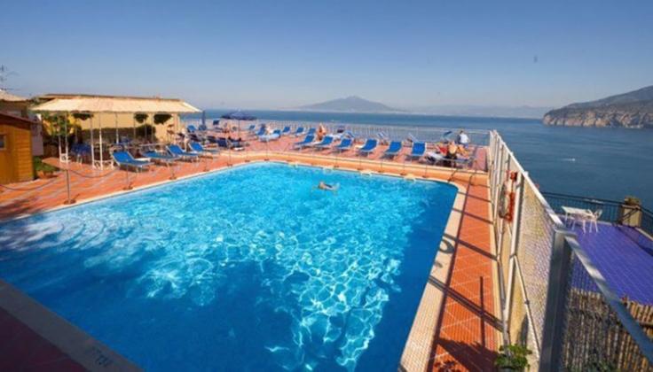 hotel minerva pool