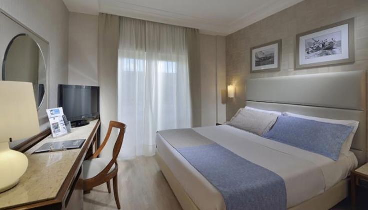 hotel paradiso room
