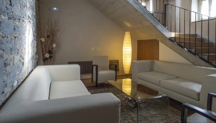 hotel roncesvalles lobby