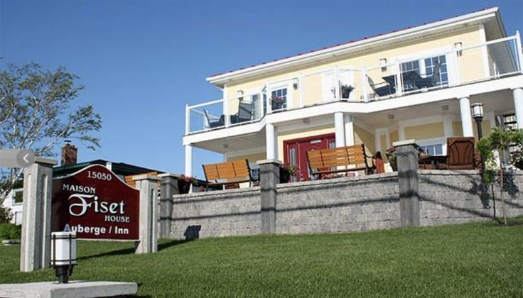 maison fiset house exterior