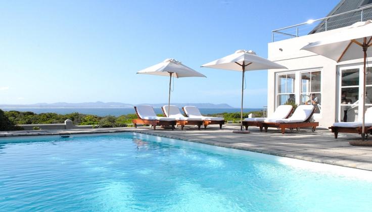 ocean eleven guesthouse pool