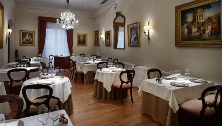 palacio guendulain dining