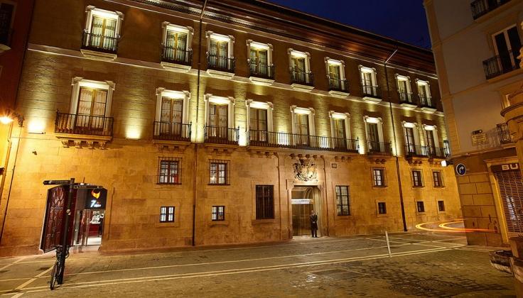 palacio guendulain exterior