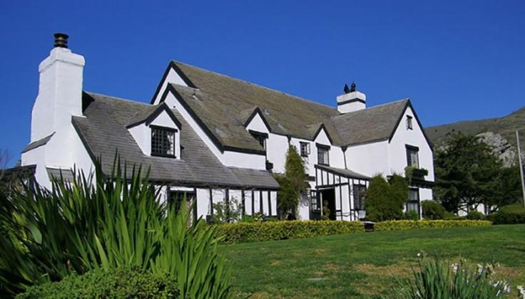 Pelican Inn exterior