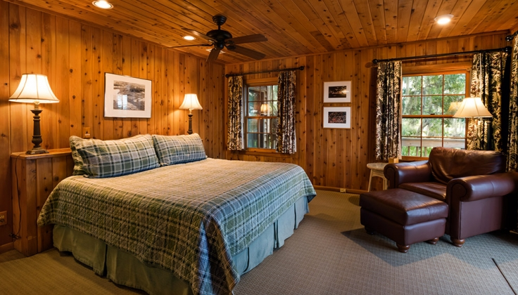 river lodge bedroom