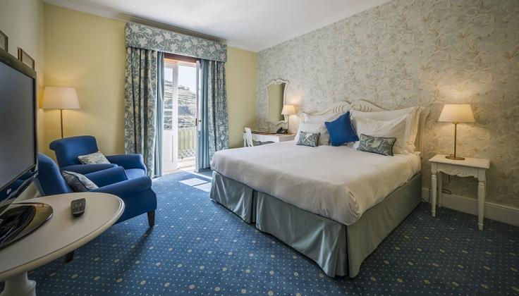 vintage house hotel room
