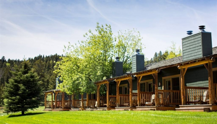 Rainbow Ranch Lodge exterior